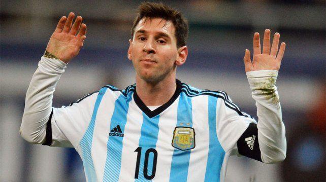 Messi quiere estar entre los once ante Chile, pero no lo dejan