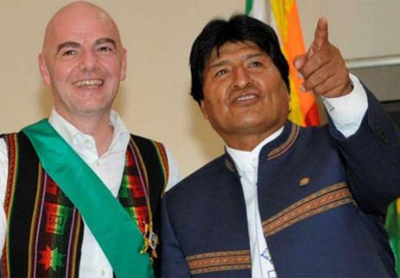 El sorprendente pedido de Evo Morales al presidente de la FIFA