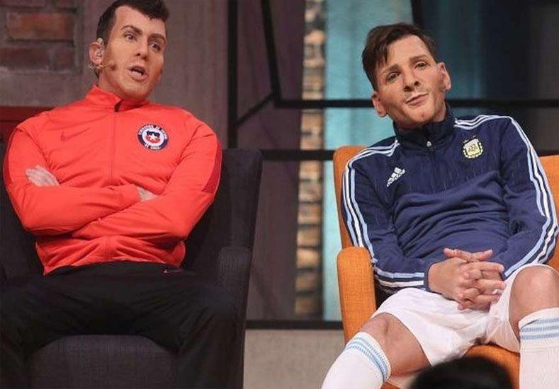¿Todavía no lo viste? Martín Bossi la rompió imitando a Messi en Chile