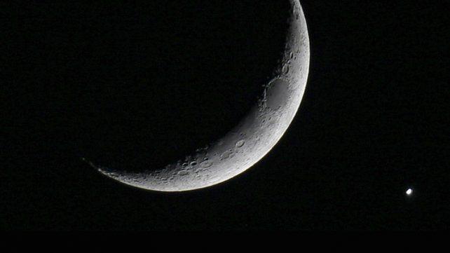 La Luna y Mercurio se citan al amanecer