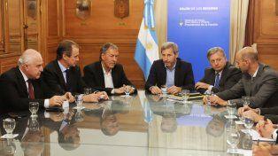 Autoridades durante la reunión. Gentileza Gobierno de Santa Fe
