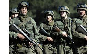 Macri derogó un histórico decreto de Alfonsín sobre la autonomía de las Fuerzas Armadas