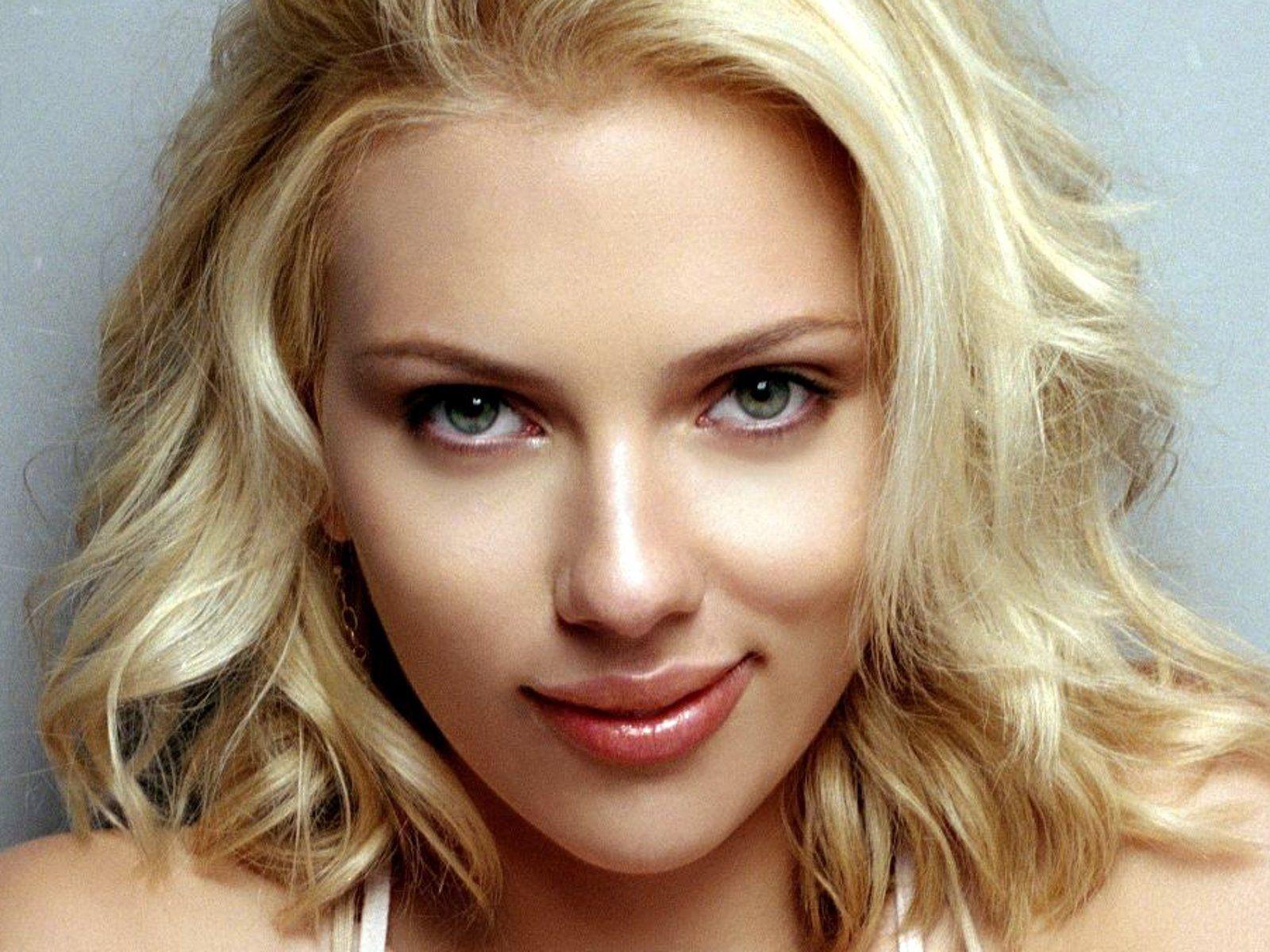 De nuevo hackearon fotos de Scarlett Johansson al desnudo
