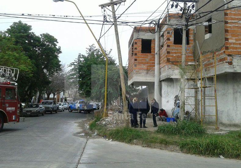 Un albañil murió electrocutado cuando trabajaba en barrio Guadalupe Oeste