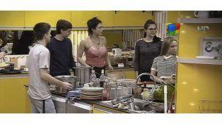 El constante bullying a Macarena, la ex de Fariña, dentro de la casa