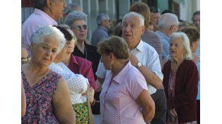 Mujeres sin aportes deberán tener 65 años para obtener la jubilación
