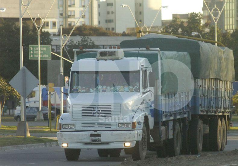 Crisis. El transporte sintió la emergencia hídrica en igual medida que los sectores productivos / Foto: Manuel Testi - Uno Santa Fe
