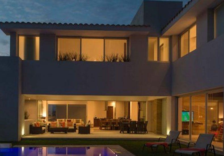 Mirtha le compró una mansión a Juanita Viale