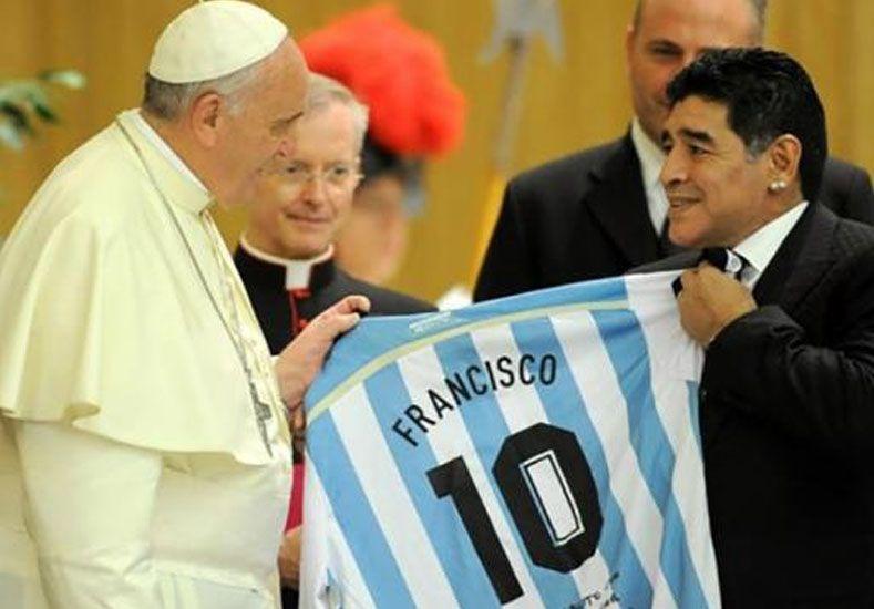 Maradona y Messi jugarán en el equipo del Papa