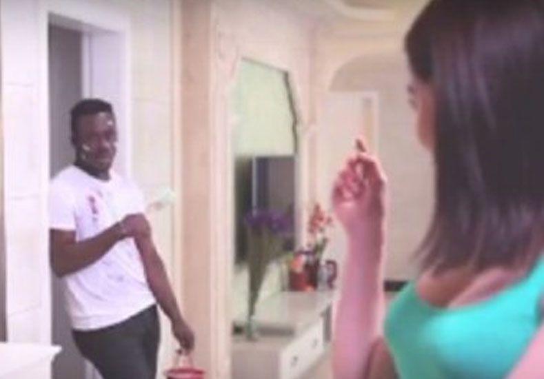 Indignación en las redes sociales por un anuncio publicitario racista