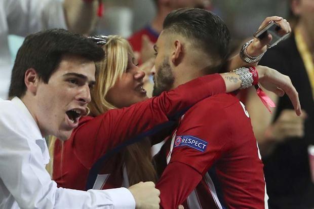 El romántico festejo de Ferreira Carrasco: marcó el empate y fue a besar a su novia