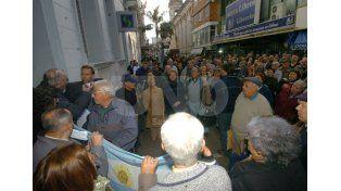 De archivo. Jubilados movilizados a la sede de la Anses local reclaman por sus derechos. UNO de Santa Fe/Manuel Testi