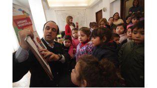 Niños y niñas de los Jardines Municipales visitaron al intendente