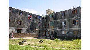 En el oeste. El complejo presenta graves falencias aun en las torres que quedaron en pie. Foto: José Busiemi / UNO Santa Fe