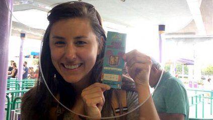 Halló un ticket que su papá compró hace 22 años para ir a Disney y se llevó una sorpresa