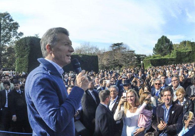 Al grito de ¡Viva la Patria!, Macri presidio un gran locro por la Revolución de Mayo en la Quinta de Olivos