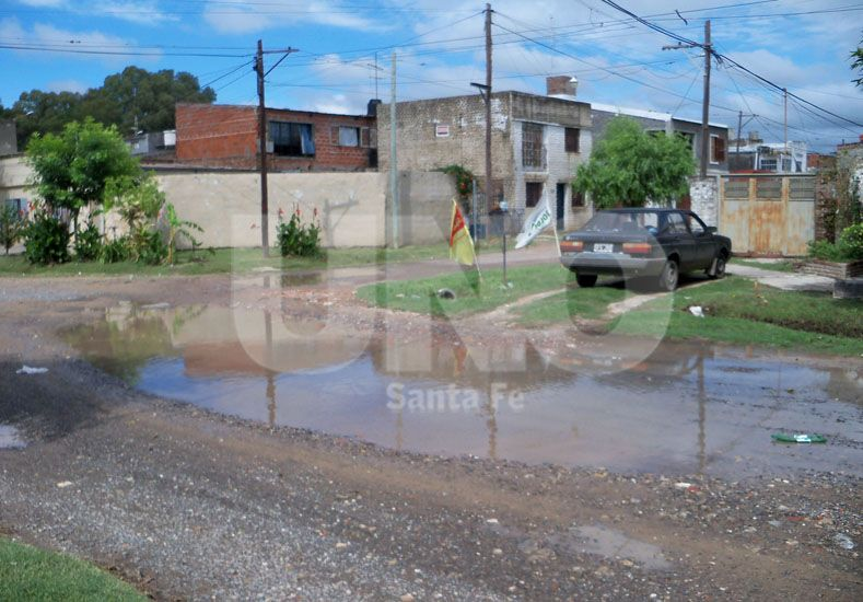 Falencias. El arreglo de calles es una de las obras que los vecinos están esperando hace tiempo / Foto: Archivo Uno