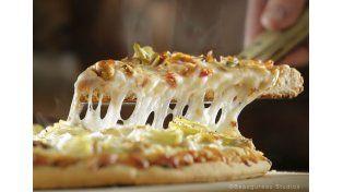 Encontró un preservativo en una pizza, llamó para reclamar y recibió una increíble respuesta del gerente