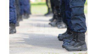 Comienzan a abonarse los ascensos 2013 del personal policial y penitenciario