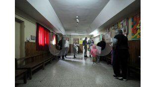 Sin dosis. El hospital Iturraspe se quedó sin vacunas antigripales esta mañana. Foto: Mauricio Centurión / UNO Santa Fe