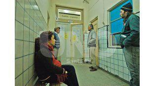 Guardia. El Hospital Iturraspe recibe cerca de 200 pacientes en el día por cuadros respiratorios / Foto: José Busiemi - Uno Santa Fe