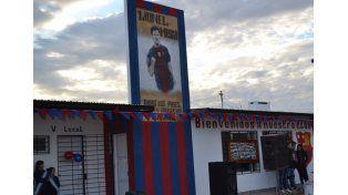 El nuevo club ubicado en el norte de la ciudad de Santa fe lleva la imagen de Lionel Messi en su frente.