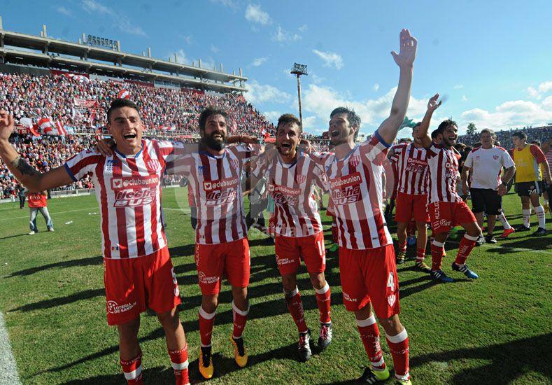 La unión del plantel se reflejó en el festejo que el grupo tuvo luego del triunfo en el segundo clásico.