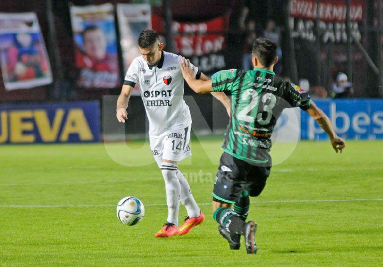 Pablo Cuevas tendrá la chance de ser elemento titular ya que Clemente Rodríguez no estará por lesión / Foto: Manuel Testi - Uno Santa Fe