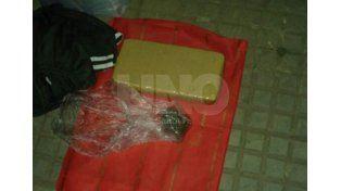 Sunchales: aprehendieron a un hombre que transportaba un ladrillo de marihuana