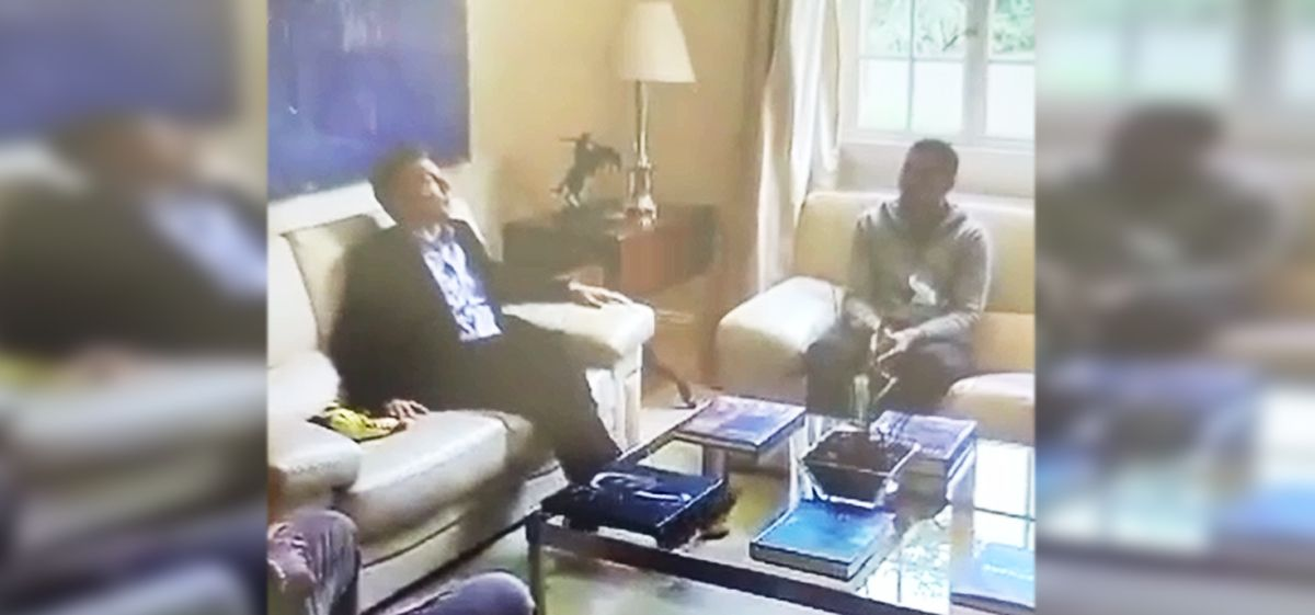 Mauricio Macri recibió a Juan Román Riquelme en su despacho presidencial