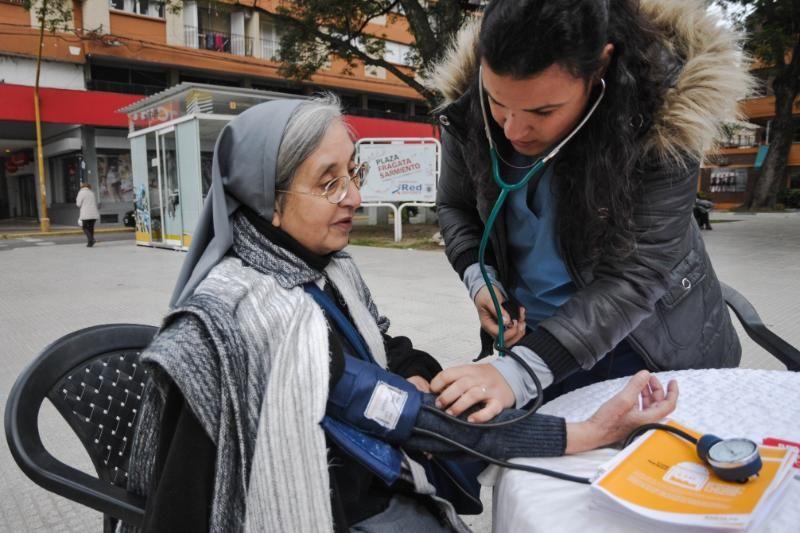 """""""Parada Saludable"""" en la peatonal San Martín"""