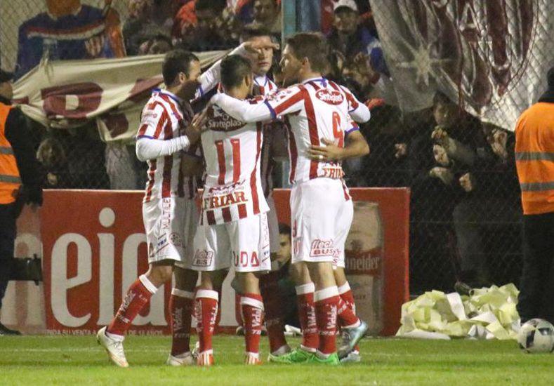 """Unión debió sufrir más de la cuenta para poder sortear los 32avos de final ante un equipo que milita en la """"B"""" Nacional / Foto: Gentileza La Opinión de Rafaela"""