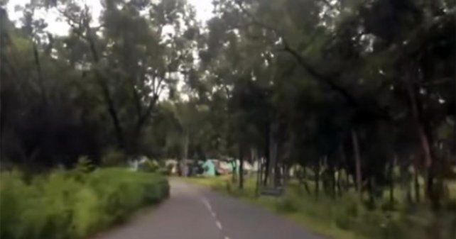 Filmaron un supuesto fantasma que cruzaba la calle