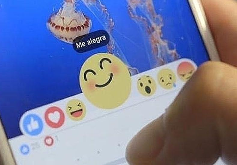 Los peligros de usar las caritas de Facebook
