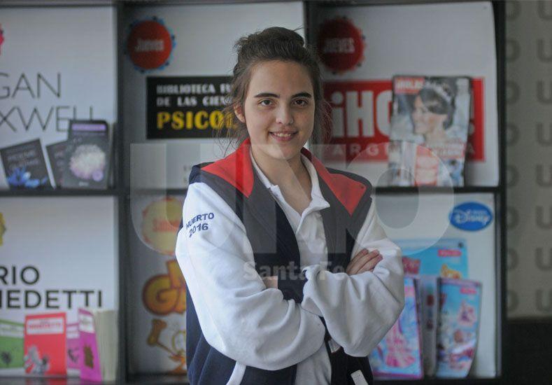 La santafesina Rosario María Hernández (17) se convirtió en la escritora más joven de la edición 42ª de la Feria del Libro en Buenos Aires . Foto: Manuel Testi / UNO Santa Fe