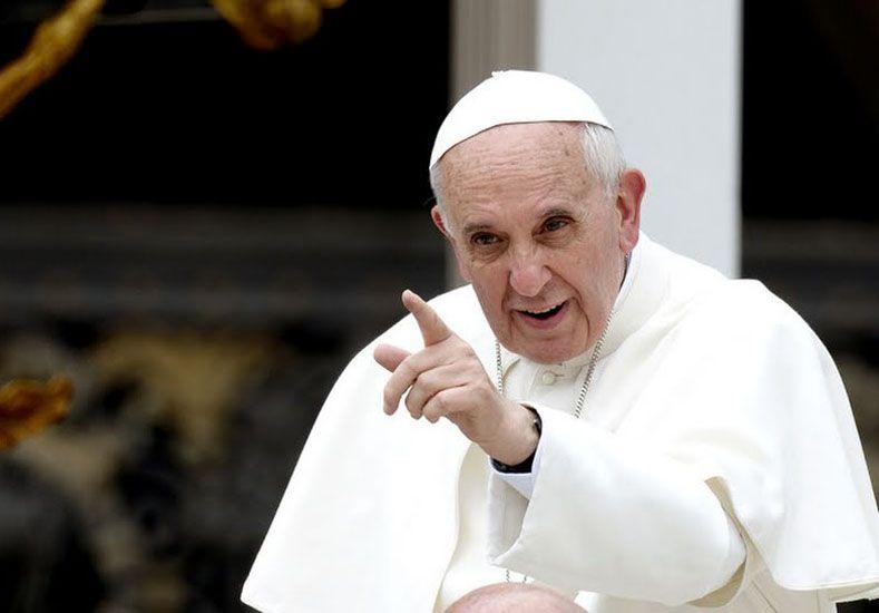 El papa Francisco criticó a quienes exageran el interés hacia los animales