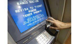 Piden extremar medidas para evitar la faltante de dinero en los cajeros de Santa Fe