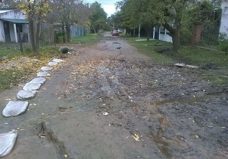 Anegadas. Aún aflora el  agua de muchas de las calles de Rincón debido al nivel de las napas.