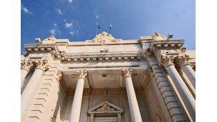 Santa Fe busca emitir deuda externa: Tendríamos una década para devolver el crédito