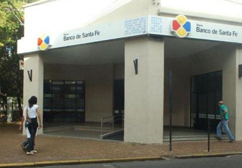 Extienden plazo para que jubilados y pensionados registren sus huellas digitales en Banco Santa Fe
