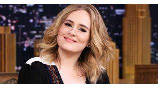 Adele ofrece su vientre para darle un hijo a pareja gay