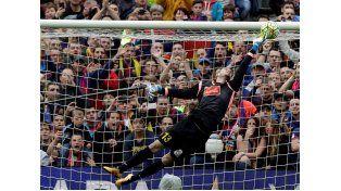 El golazo de Messi para la goleada del Barcelona
