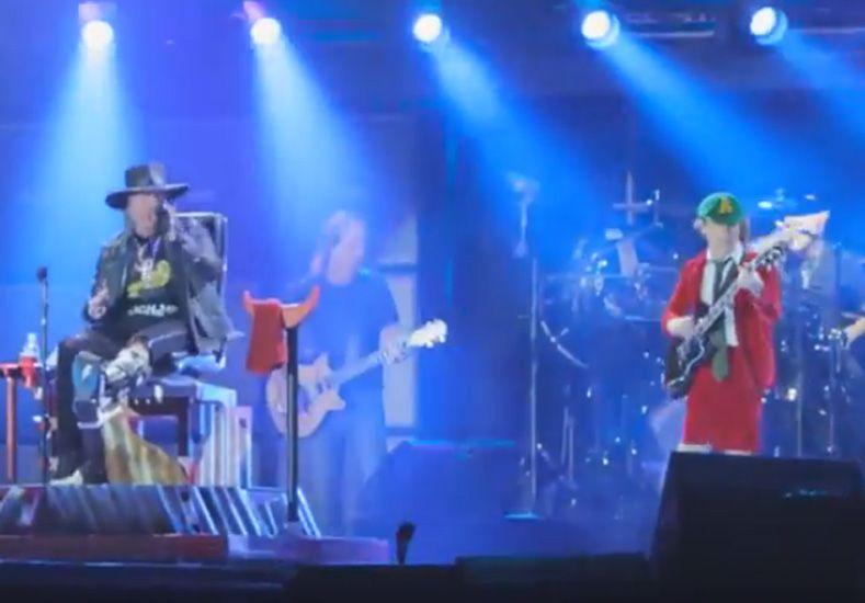 Axel Rose debutó como cantante de AC/DC en Portugal