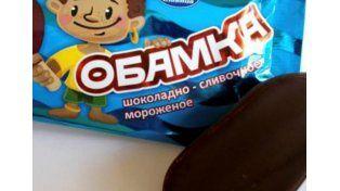 Polémica por un bombón helado cubierto de chocolate llamado Obamka
