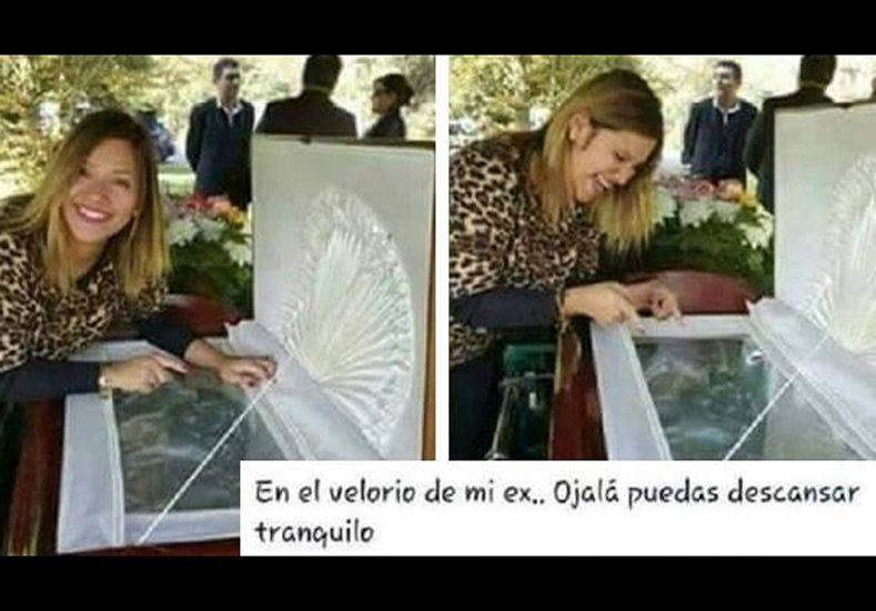 Polémica foto de una mujer burlándose de su ex en su funeral