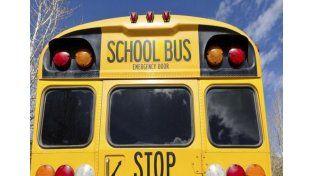 Un chico de 12 años se robó un transporte escolar para dar una vuelta por la ciudad