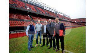 El mánager italiano y dirigentes locales recorrieron este jueves el estadio sabalero