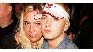 Ex de Eminem intentó suicidarse al chocar su coche