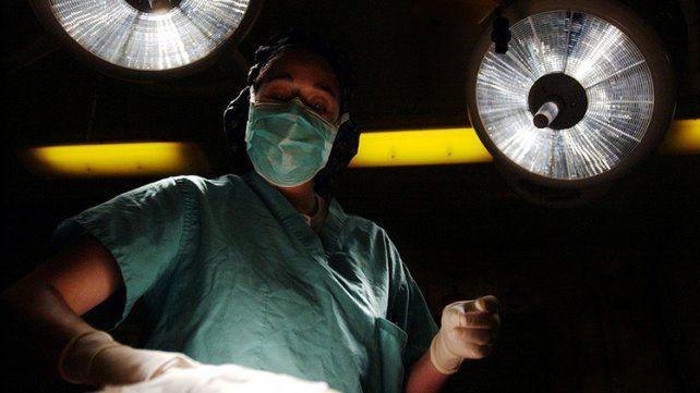 Donó un riñón a su jefa y la despidió por no ir al trabajo tras la operación