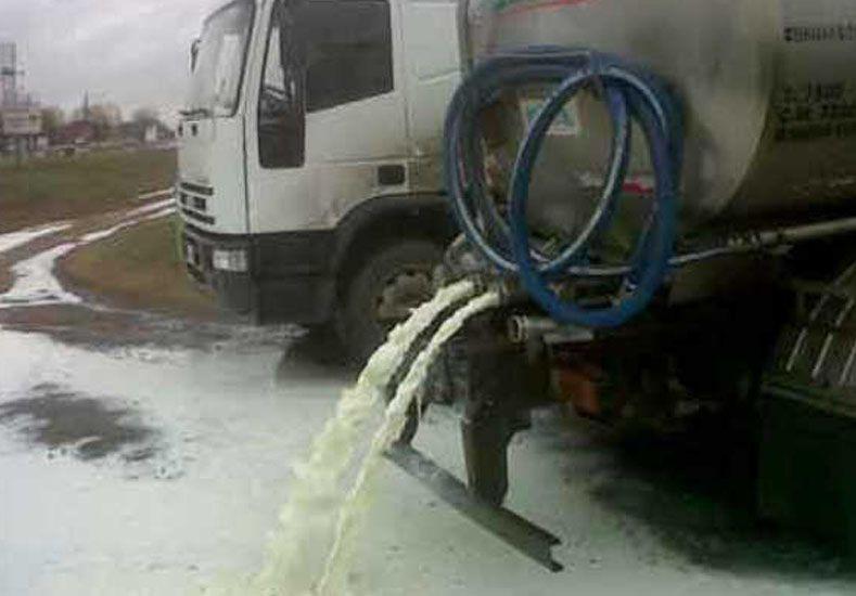 Camioneros regalarán leche en una jornada de protesta por la crisis del sector